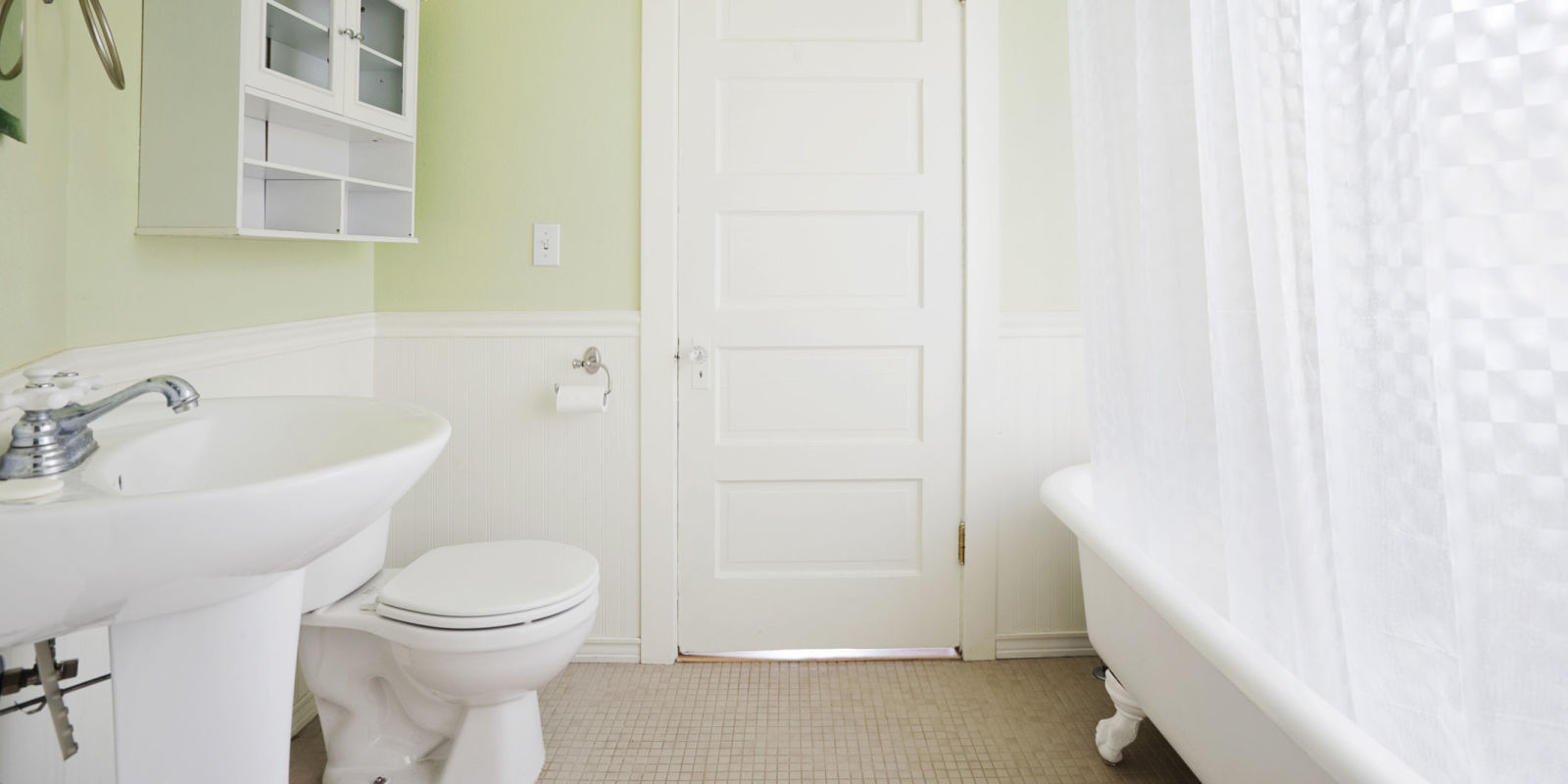 Shine on a dime professional cleaning services - How to professionally clean a bathroom ...